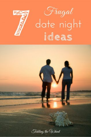 Frugal date nights don't have to be boring. It's possible to plan a fun, cheap date night. Check out these 7 ways to plan a date night.